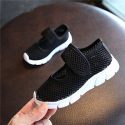 Soft breathable mesh shoes