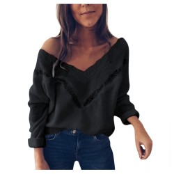 Loose jumper - elegant blouse with lace